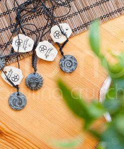MOMA_stone age_yin yang flower_naszyjnik